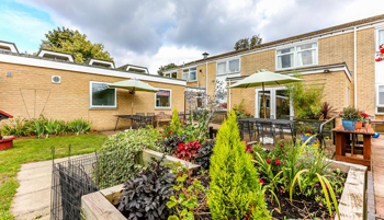 Aliwal-Manor-Care-Home-Cambridge-Homes-Excelcare-All-Homes.jpg